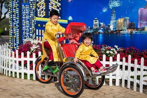 "gia dinh hung cuu long hanh phuc giua ""bao ly hon"" - 15"