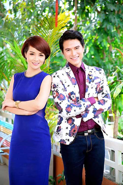 mai thu huyen duoc mc manh cuong khen ngoi het loi - 2