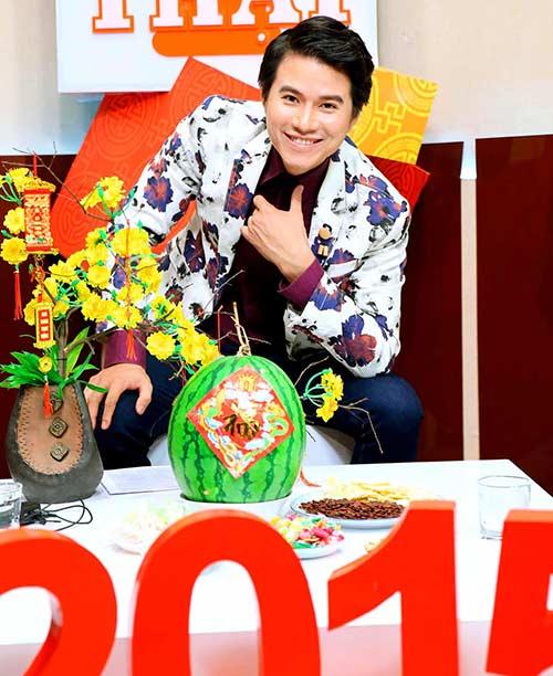 mai thu huyen duoc mc manh cuong khen ngoi het loi - 5