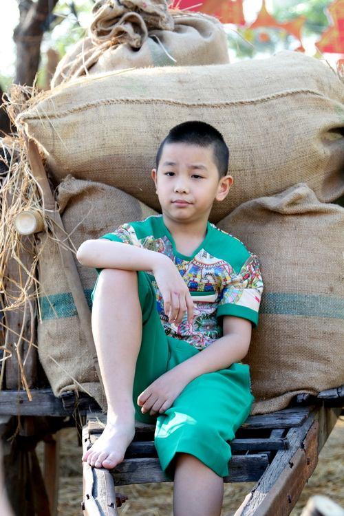 """mai thu huyen """"tron"""" chong dao pho xuan cung con - 8"""