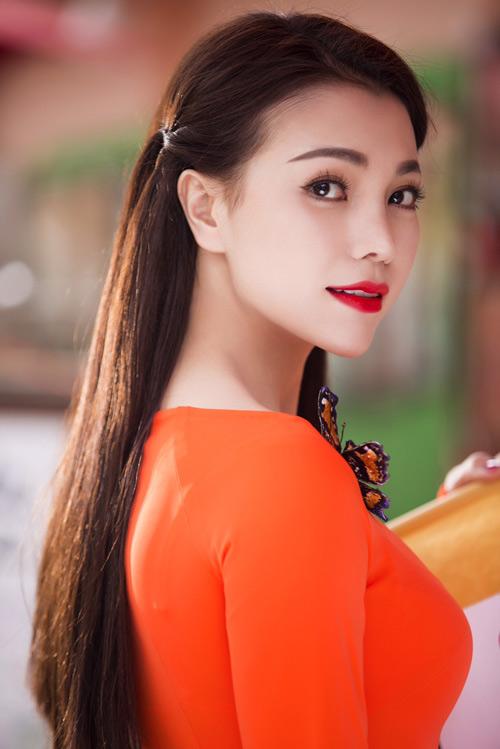 tra ngoc hang dien ao dai dao pho mua xuan - 14