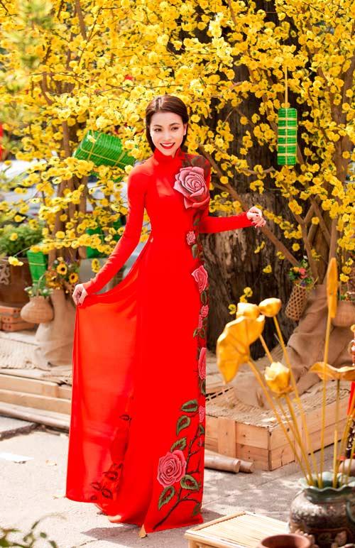 tra ngoc hang dien ao dai dao pho mua xuan - 2
