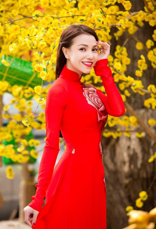 tra ngoc hang dien ao dai dao pho mua xuan - 5