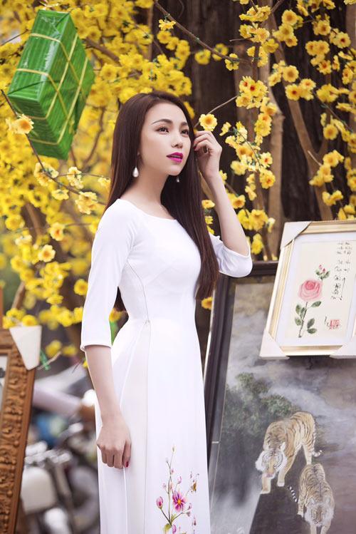tra ngoc hang dien ao dai dao pho mua xuan - 8