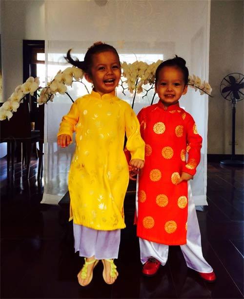 Con sao Việt rạng rỡ áo dài đón tết-2