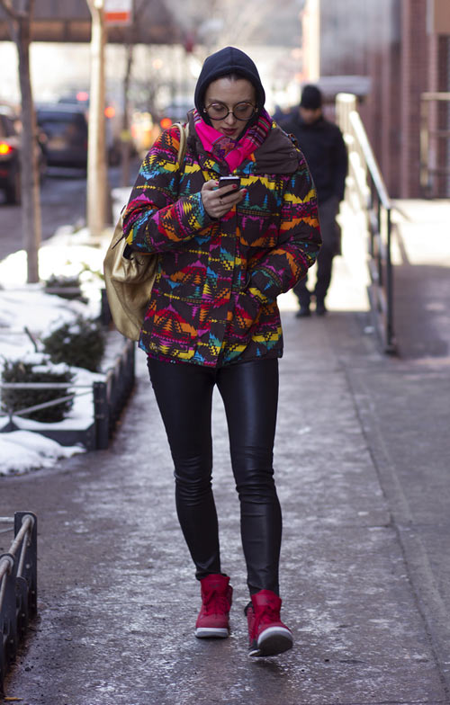 hoang thuy lot top 28 street style an tuong tai jeremy scott - 4
