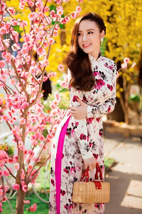 angela phuong trinh ru ban nhay tay xuong pho dau nam - 5