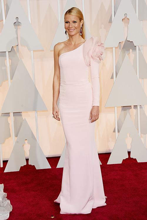 Lady Gaga hết quái, Jennifer Lopez khoe ngực trên thảm đỏ Oscars - 8