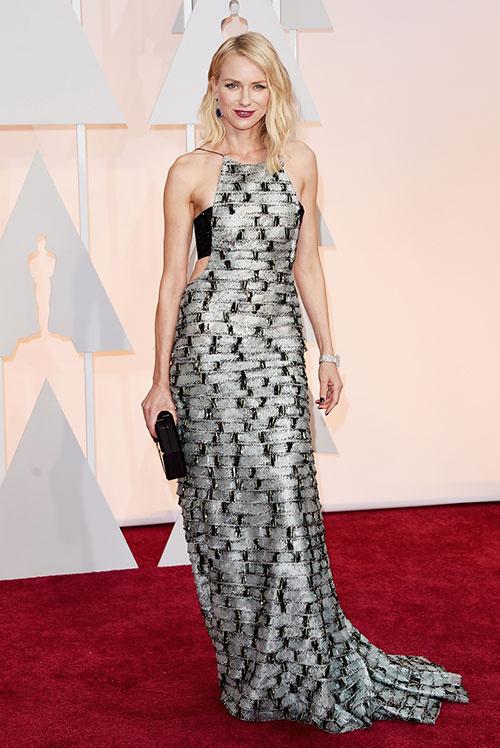 Lady Gaga hết quái, Jennifer Lopez khoe ngực trên thảm đỏ Oscars - 11
