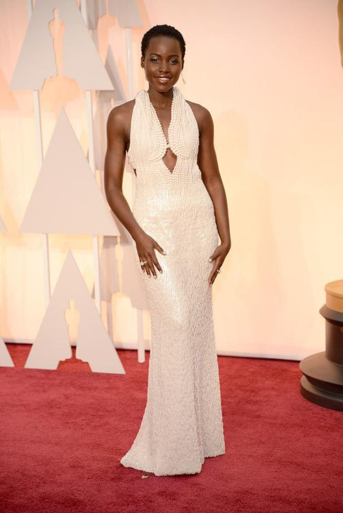 Lady Gaga hết quái, Jennifer Lopez khoe ngực trên thảm đỏ Oscars - 13