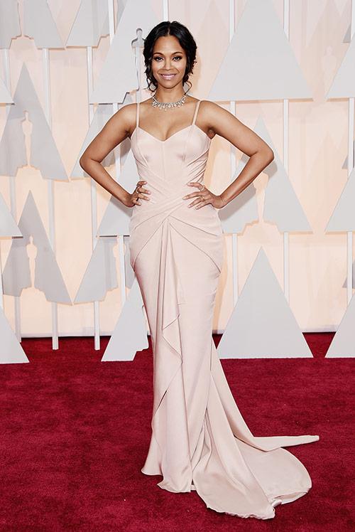 Lady Gaga hết quái, Jennifer Lopez khoe ngực trên thảm đỏ Oscars - 14