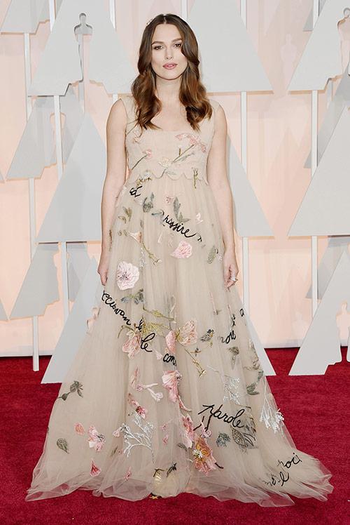 Lady Gaga hết quái, Jennifer Lopez khoe ngực trên thảm đỏ Oscars - 3