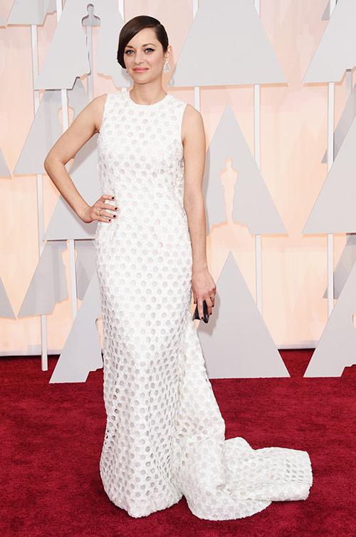 Lady Gaga hết quái, Jennifer Lopez khoe ngực trên thảm đỏ Oscars - 16