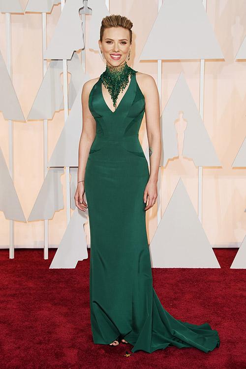 Lady Gaga hết quái, Jennifer Lopez khoe ngực trên thảm đỏ Oscars - 5