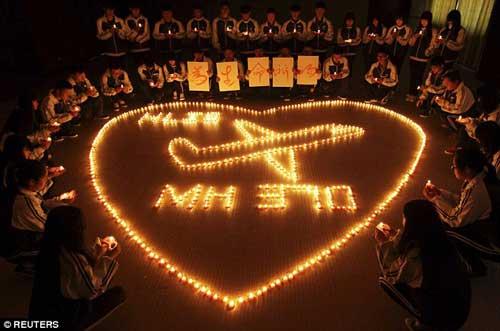 may bay mh370 chuyen huong ve nam cuc truoc khi roi? - 2
