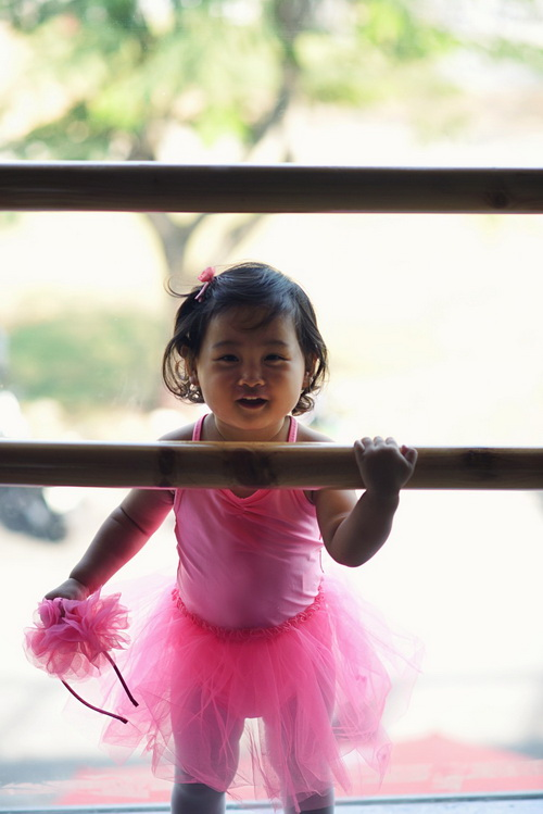 """hh huong giang khoe con gai """"tro tai"""" mua ballet - 3"""