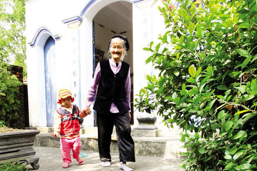 chuyen dong ho 'xe rao' cho phep con gai vao trinh to - 1