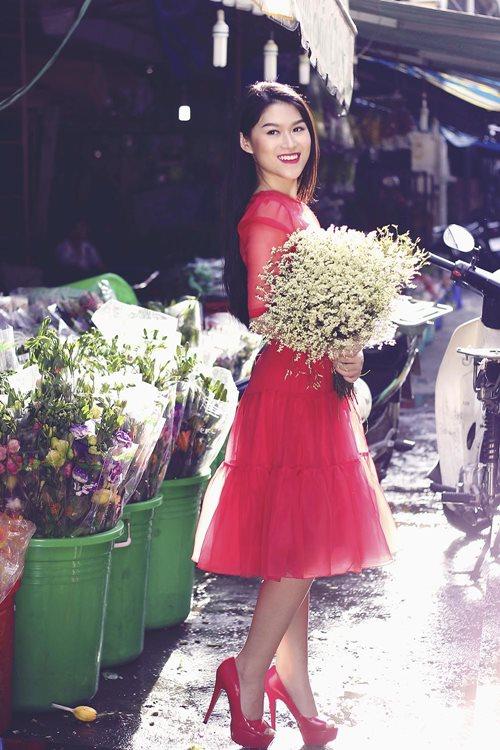 Ngọc Thanh Tâm rạng rỡ giữa phố hoa xuân-8