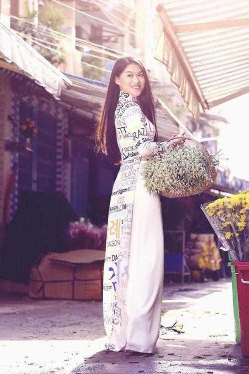Ngọc Thanh Tâm rạng rỡ giữa phố hoa xuân-2