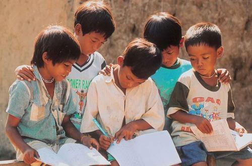 Hơn 3,3 triệu học sinh, sinh viên nghèo đã được vay vốn học tập-1
