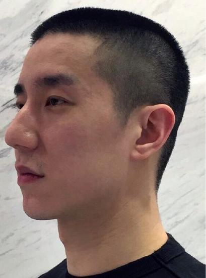 Thành Long cắt tóc cho con trai sau khi ra tù - 2