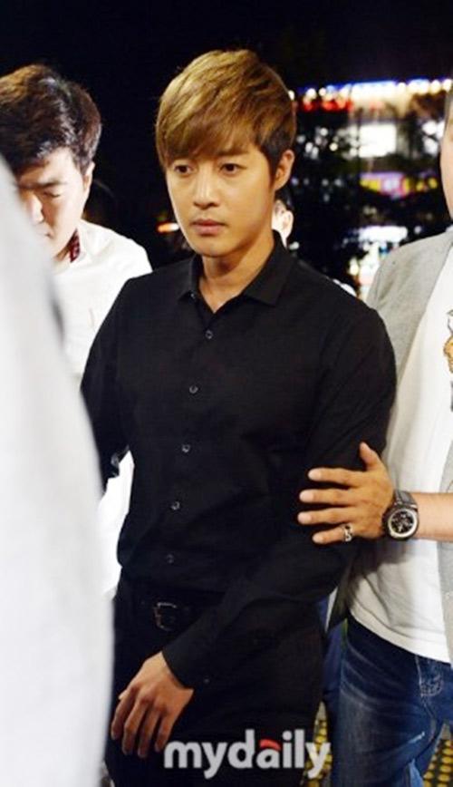 ban gai cu kim hyun joong co bang chung co bau - 3