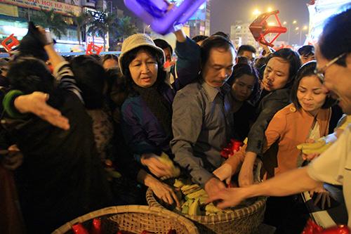 tran xuong long duong tham gia le giai han dau nam - 13