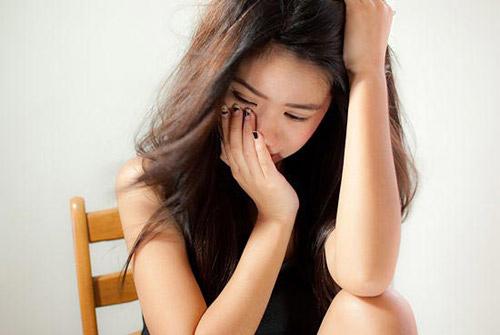 la thu dam nuoc mat cua nguoi vo 3 nam bi chong bao hanh - 3