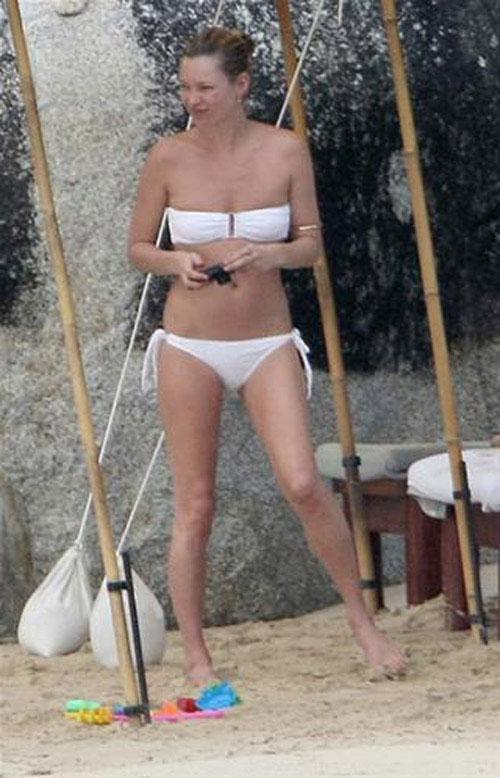 nguoi dep the gioi tu tin khoe dang voi bikini - 2