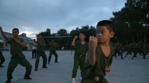 "tap 18 bo oi: con trai tran luc 'thang tay"" phat bo - 1"