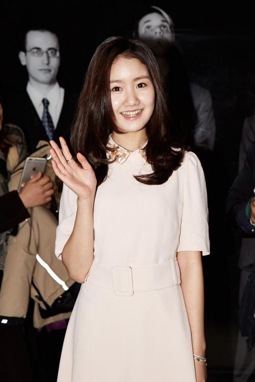 ban gai kim hyun joong tung bang chung co bau 4 thang - 5