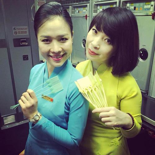 tiep vien vietnam airlines thich thu dien dong phuc moi - 4
