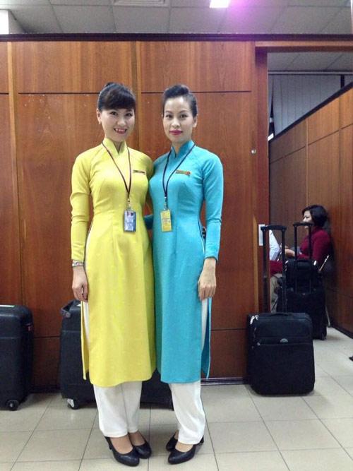 tiep vien vietnam airlines thich thu dien dong phuc moi - 5