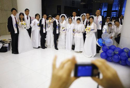3.800 cặp đôi trên thế giới đổ về Hàn Quốc cưới tập thể-10