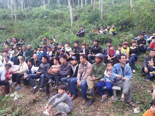hang nghin nguoi chen chan tham du le hoi vua mai - 9