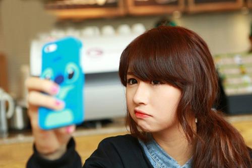Học lỏm mỹ nhân Việt - Hàn làm mặt xấu chụp ảnh cực cute-14