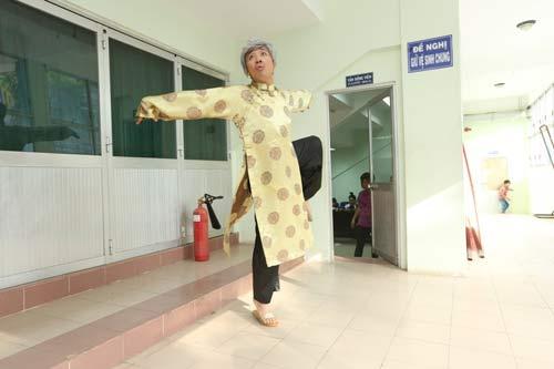 thanh thao tre dep hut hon mung ngay 8/3 - 14