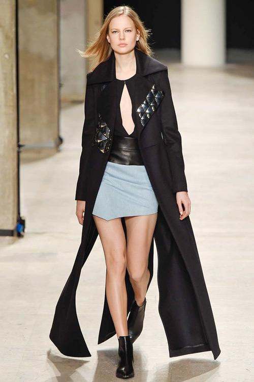 NTK gốc Việt tối giản ấn tượng tại Paris Fashion Week-10