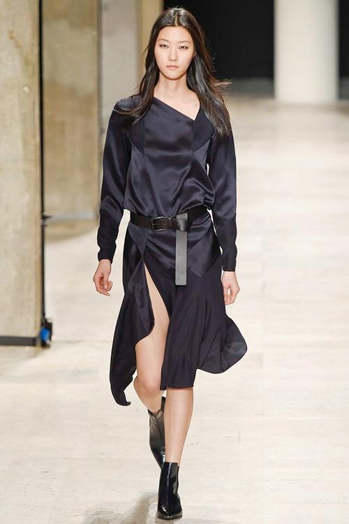 ntk goc viet toi gian an tuong tai paris fashion week - 1