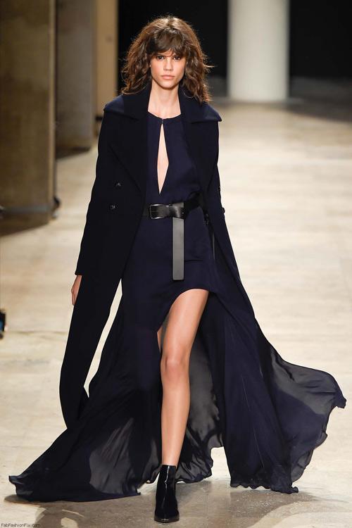 NTK gốc Việt tối giản ấn tượng tại Paris Fashion Week-8