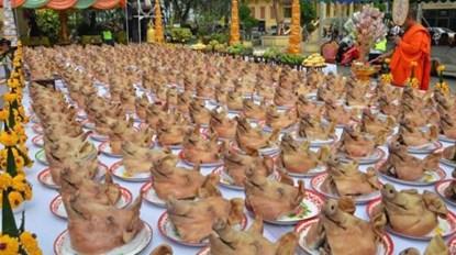 thai lan: len chua dau nam, dang le… 300 dau heo - 1