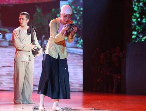 angela phuong trinh gay bat ngo voi hinh tuong con co - 3