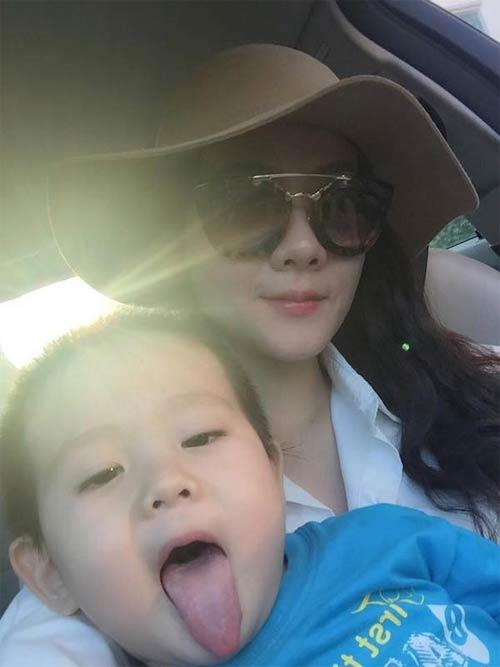 diem huong hanh phuc duoc chong dua di choi ngay 8/3 - 10