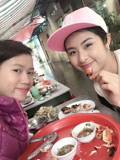 diem huong hanh phuc duoc chong dua di choi ngay 8/3 - 9
