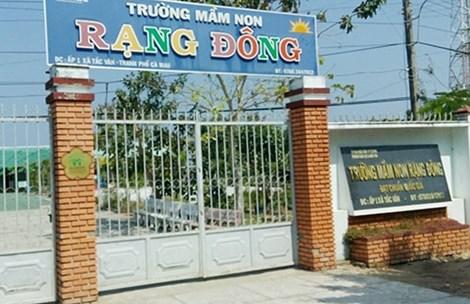 khong minh bach phan an cua 300 tre - 1
