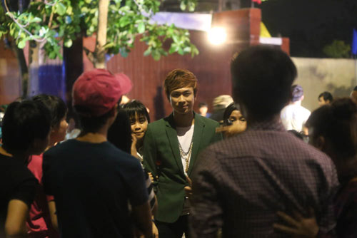 """ho viet trung chay show """"met nghi""""  nho mv 8 trieu view - 8"""