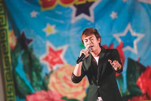 """ho viet trung chay show """"met nghi""""  nho mv 8 trieu view - 9"""