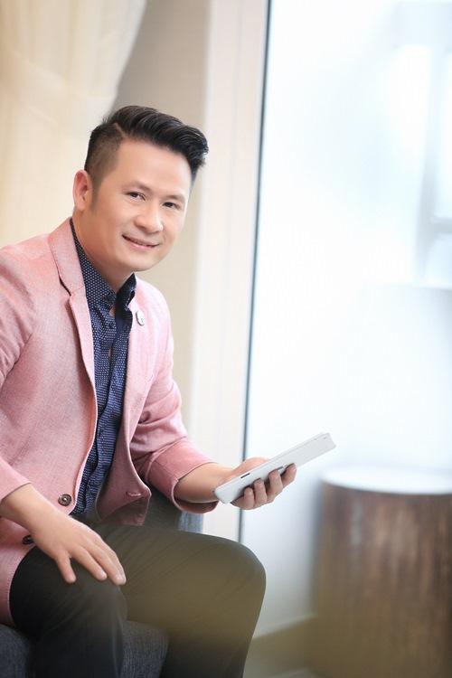 bang kieu lam giam khao khach moi tai vietnam idol - 1