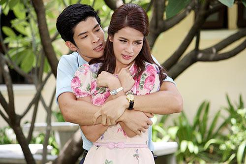 """my nhan thai gay an tuong manh voi """"bi tinh song sinh"""" - 4"""