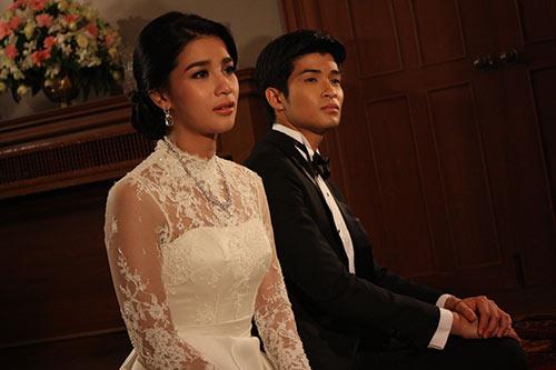 """my nhan thai gay an tuong manh voi """"bi tinh song sinh"""" - 5"""